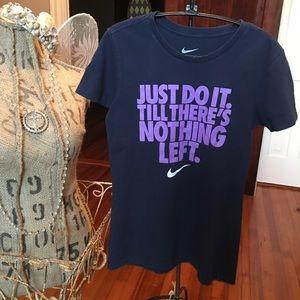 Nike t-shirt.  Slim fit Medium. EUC